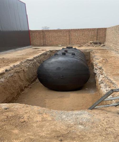 运城玻璃厂储油罐已就位开始组装